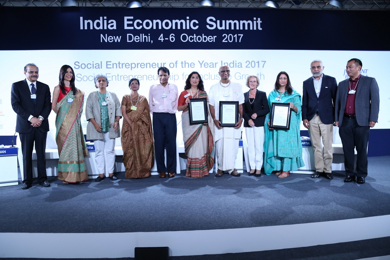 Urvashi-Sahni-declared-Winner-of-Social-Entrepreneur-of-the-Year-India-2017-Award